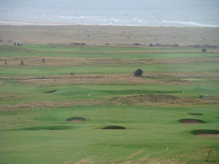 Uncluttered golf is always the best as evidenced by this mesmerizing view from on top of Gullane Hill.