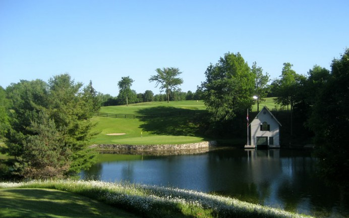 The view from the ninth tee highlights the secluded nature of a game at Redtail.