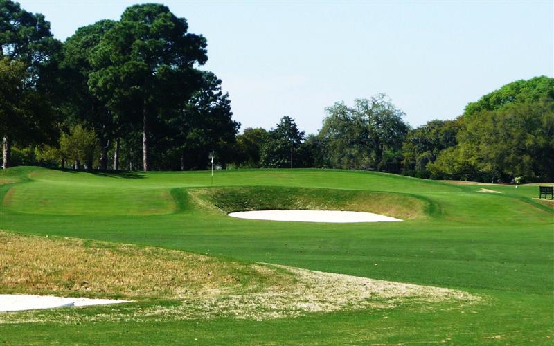 On flat property, the best way to give hole's character is by making interesting green complexes, which is exactly what Raynor did at Country Club of Charleston. Pictured above is the Lion's Mouth green complex at the sixteenth.