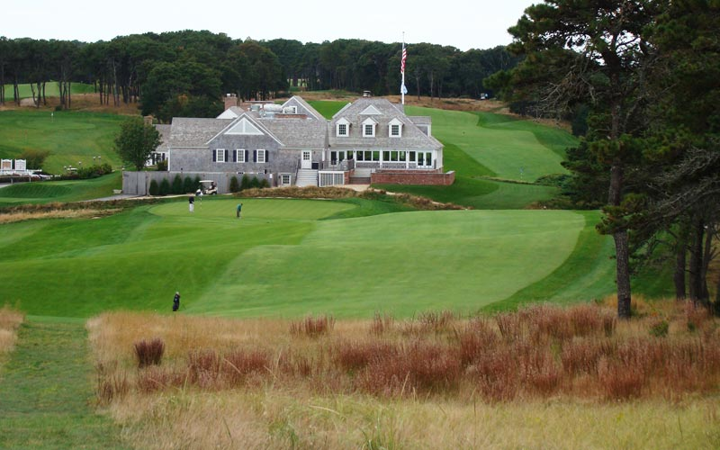 As seen from the tee, the ninth provides a fitting conclusion to the front. The clubhouse was renovated in 2008 and exudes a Cape Cod charm.
