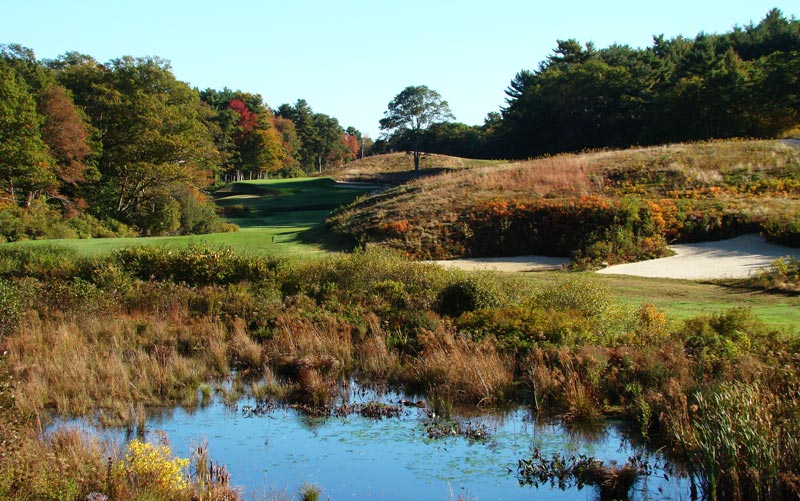 While Pinehurst No.2 enjoys great greens, Essex County enjoys great topography and Ross capitalized on it off the tenth tee where the golfer idealy needs to carry these bunkers that Ross cut into the landform.