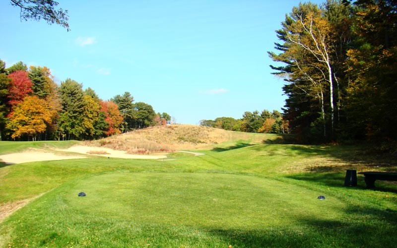 Up and over the golfer goes with his tee ball at the twelfth. Most modern architects would have flattened/reduced the landform, which is but one of a host of reasons so few modern courses compare favorably to Essex County.