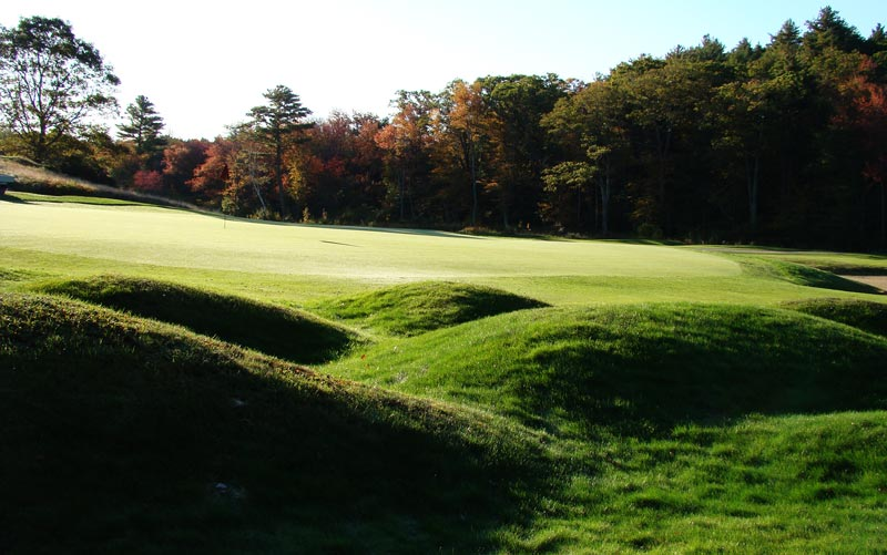 These chocolate drop mounds short left of the first green are an effective hazard and later became a Ross trademark.