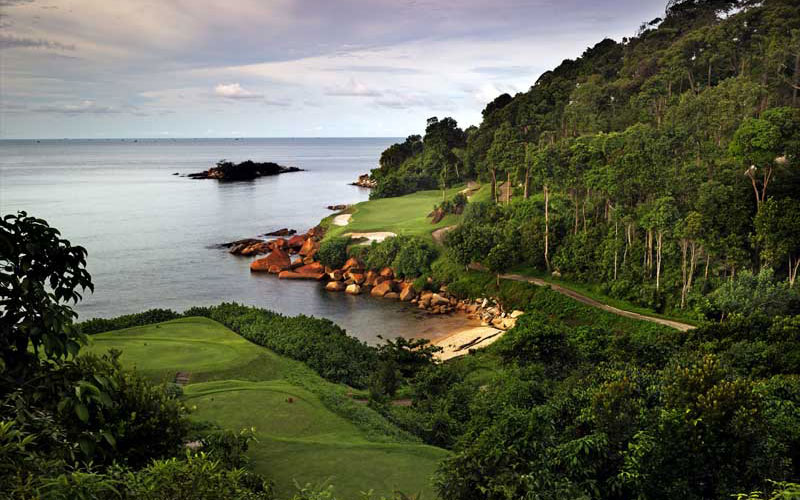Ria Bintan's dramatic par three ninth.