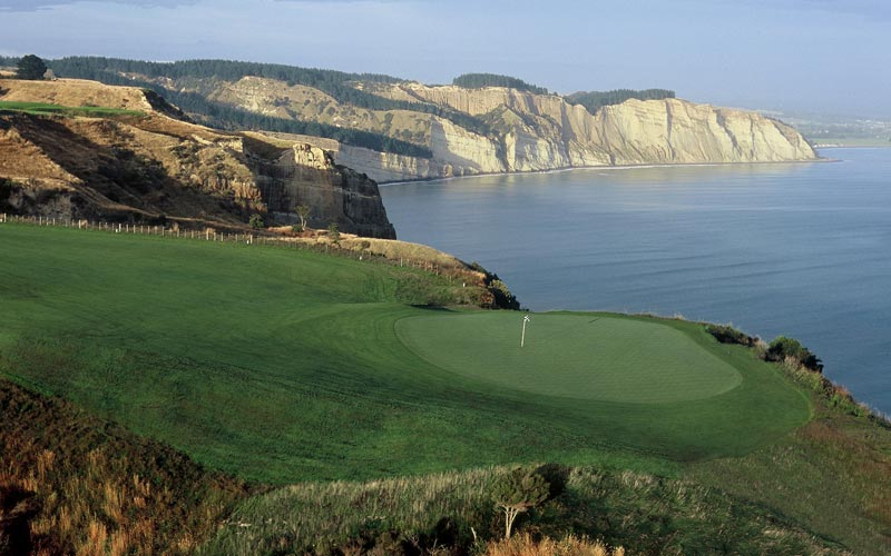 Cape Kidnappers's enjoys a one-of-a-kind dramatic setting as the holes play along side soaring cliffs.