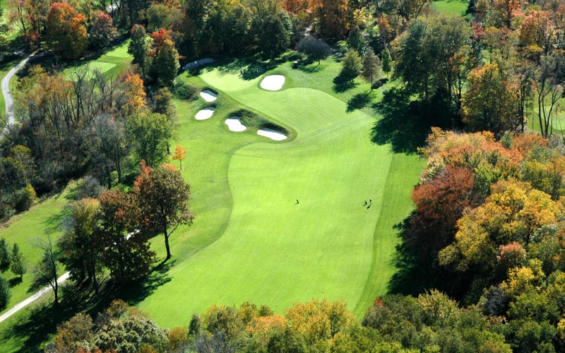 As this aerial of the last 150 yards of the seventeenth shows, Flynn's ability to create interesting playing angles is second to none.