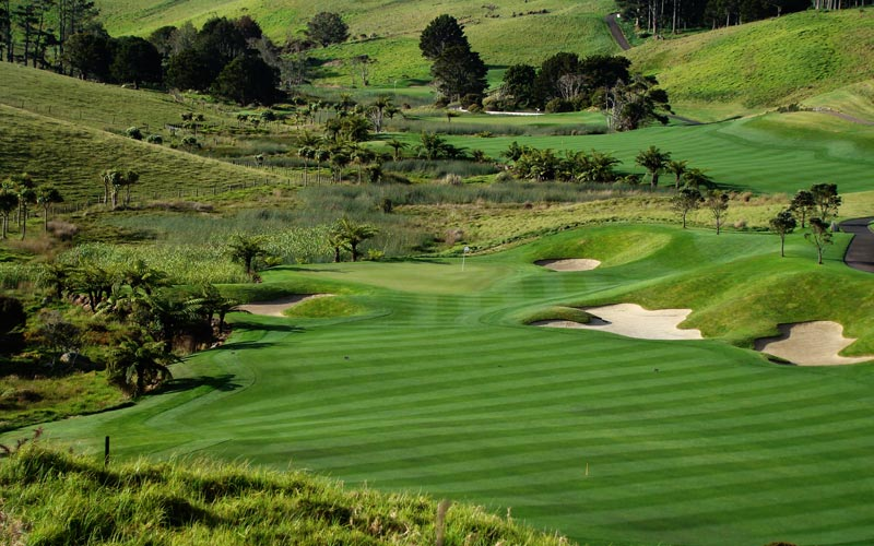 Kauri Cliffs golf course Julian Robertson, golf in New  Zealand, David Harman, The elevated tenth tee offers a long view down the valley with the eleventh and twelfth holes spreading out in the distance.