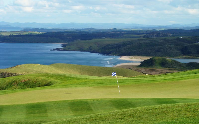 The wind often makes the proceedings quite lively at Kauri Cliffs.