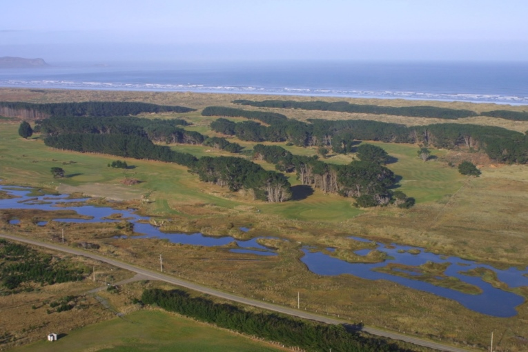 This aerial of Oreti Sands more than hints at the allure of golf in New Zealand.