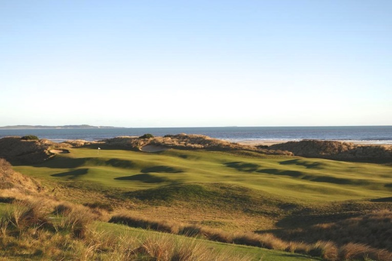 The 17th at Barnbougle Dunes in Tasmania.