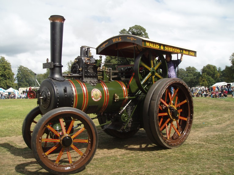 A historic steam tractor at Astle Park, Cheshire 2007.