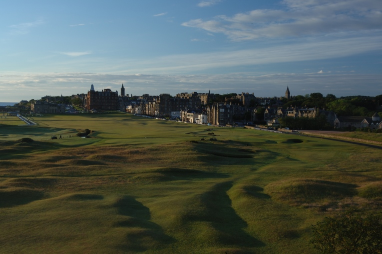 St. Andrews OLD holes 17 and 1 plus town0001 (1)